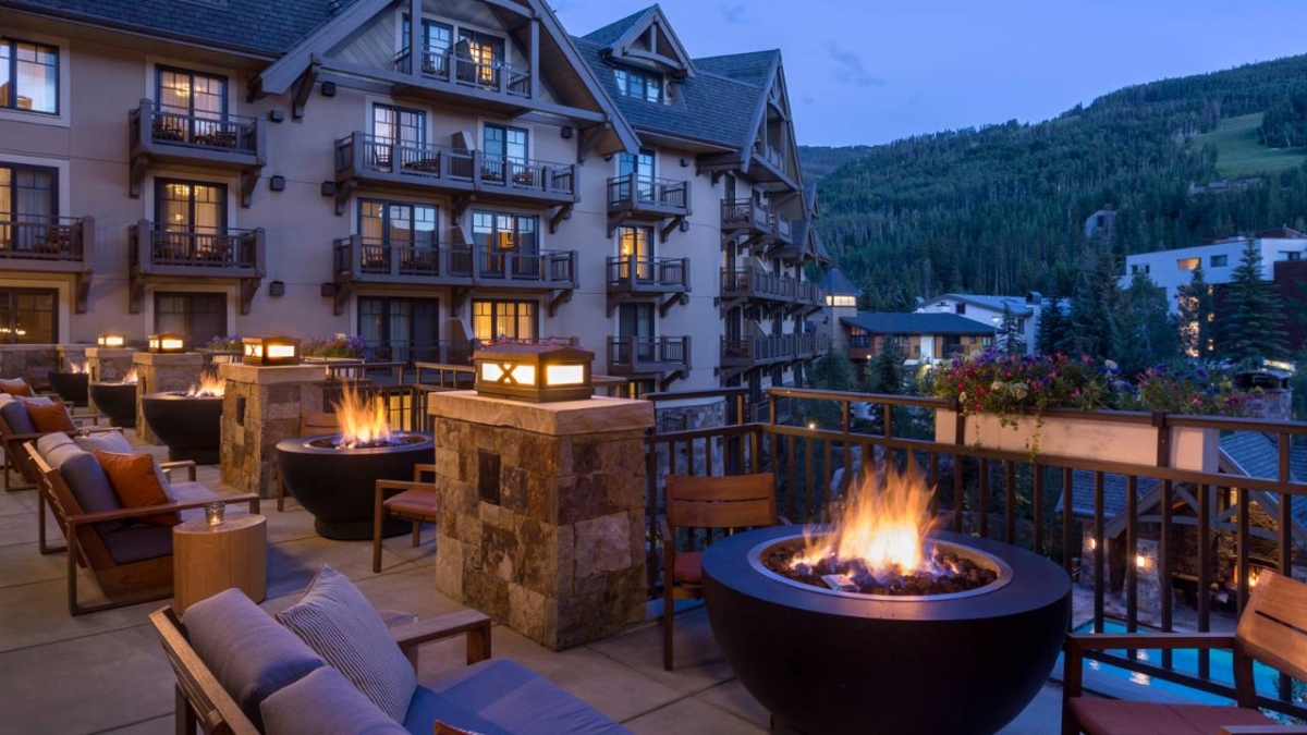 The 10 best ski resorts in north america west university for Four seasons vail